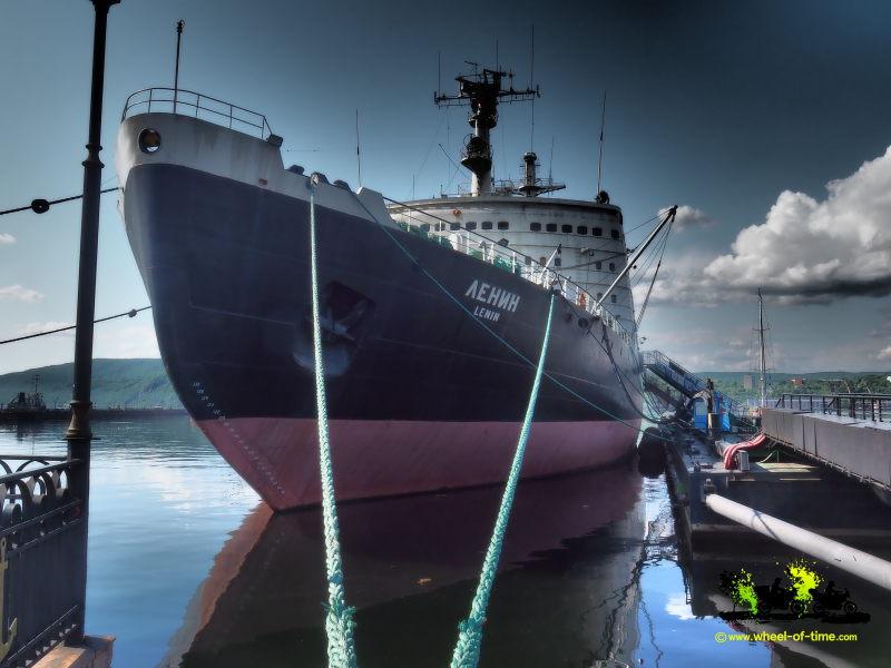 το παγοθραυστικό πλοίο «Λένιν»